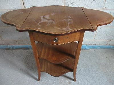 Edwardian inlaid Mahogany serpentine dropleaf work / occasional table (ref 1252)