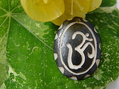 GOOD CHI BONE CHARM M Wicca Witch Pagan Spell Goth OM New Age YOGA BUDDHA AUM