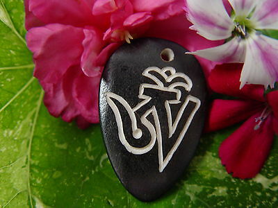 GOOD CHI BONE CHARM W Wicca Witch Pagan Spell Goth OM New Age YOGA BUDDHA AUM