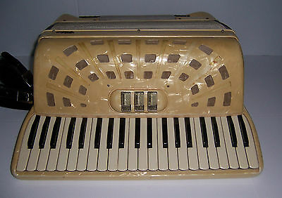 VINTAGE VIDEO PIANO  ACCORDION WITH CASE MADE IN ITALY CREAM  MOTHER OF PEARL