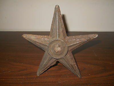 """ANTIQUE  ARCHITECTURAL CAST IRON STAR WITH A 14"""" METAL BAR STILL ATTACHED"""