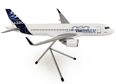 AIRBUS A320 NEO - HOUSE CS 1/100 SCALE DESK MODEL NEW