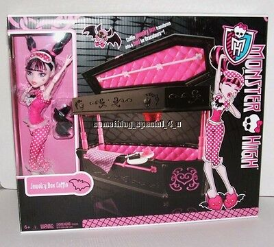 NEW Monster High Draculaura Doll & Jewelry Box Coffin