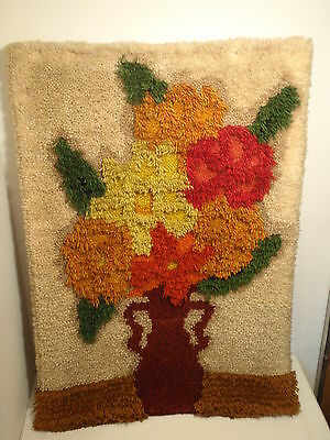 GORGEOUS HANDMADE Wool Yarn FLORAL Textured Accent Rug or Wall Hanging VINTAGE