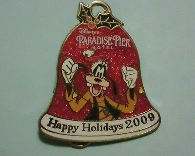 Disney Pin Goofy Happy Holidays 2009 Paradise Pier Hotel LE 1000