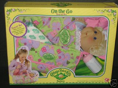 CABBAGE PATCH KIDS ON THE GO TRAVEL SET