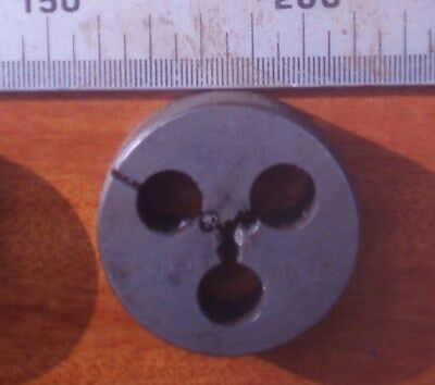 "Whitworth BSW 1/4"" x 20 tpi, LH left hand, P&N OD 2"" die button"