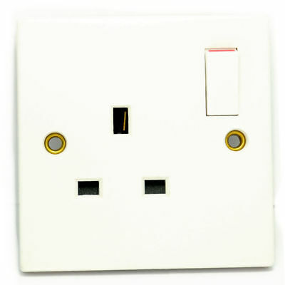 13A Single Plug Home Indoor Mains Socket 1 Gang Switched WHITE [006440]