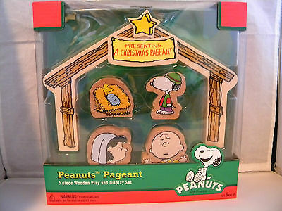 Peanuts Christmas Pageant Play Set Nativity Charlie Brown Snoopy Wooden 5 piece