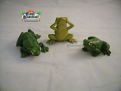 Brand New Poly Resin  Frogs Set Collectibles