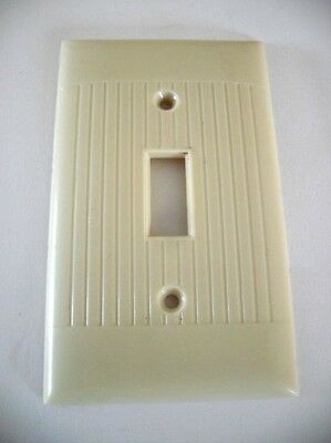 VTG Single toggle SWITCH Wall Cover Plate IVORY colored RIBBED Bakelite SIERRA