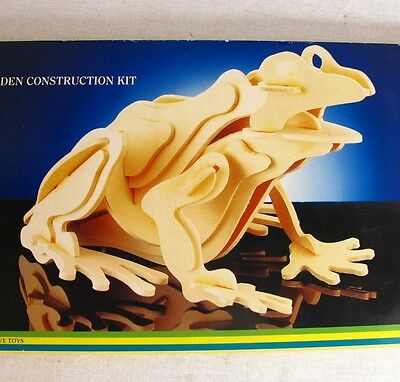 """Frogs Ranidae Wooden Construction Kit Build a 14"""" Frog Wood Pieces Safari Ltd."""