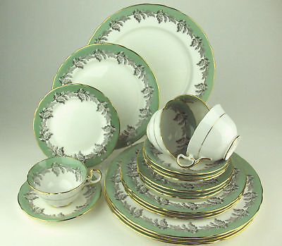 20 PIECE SET Aynsley OAK LEAF GREEN 4 x 5 PC SETTINGS discounted