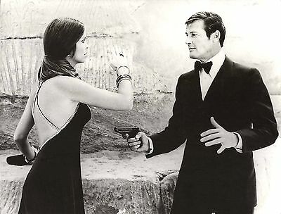 "BARBARA BACH & ROGER MOORE in ""The Spy Who Loved Me"" Original Vintage Photo 1977"