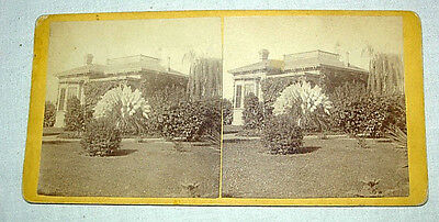 1900 STEREOVIEW STEREO VIEW CARD - OLD HOUSE WITH WONDERFUL LANDSCAPING