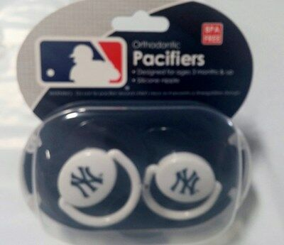 NY New York Yankees Baby Infant Pacifiers MLB NEW - 2 Pack   GREAT SHOWER GIFT!