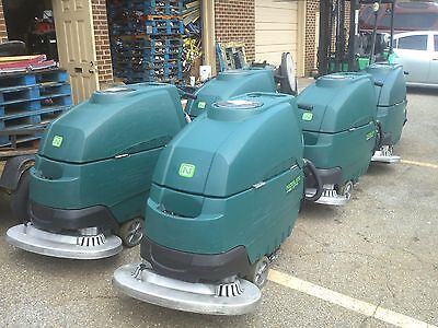 "1Pc. RECONDITIONED NOBLES  SS5, FLOOR SCRUBBER 32""  UNDER 600HR"