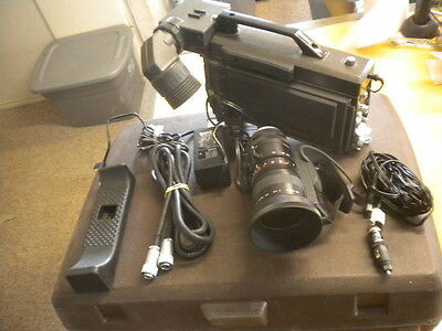 Panasonic Electronic View Finder Portable Color Camera WV-3954 WV-3990B