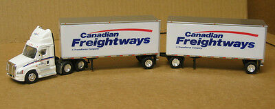 Trucks & Stuff SPT3109,  HO Freightliner, Canadian Freightways, with 28' doubles
