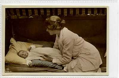(Gn604-395) Real Photo of GLADYS COOPER & Baby c1920 Unused EX Rotary B60-5