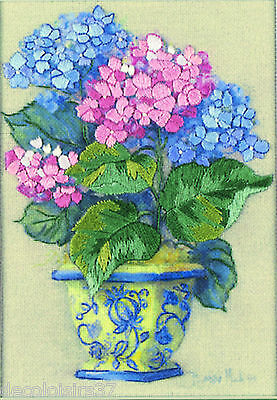 DIMENSIONS  16051  Colorful Hydrangea   Kit Broderie Crewel