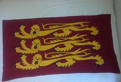 "King Richard's Banner Three Lions Flag Applique Sewn Handmade Linen 72""x38"" Vtg"