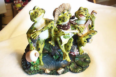 """FROGS ON LOG WITH JUG, BANJO AND READING PAPER 7 1/4"""" WIDE HIGHLY DETAILED"""