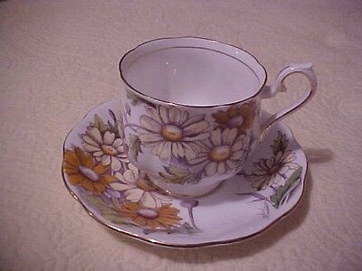 Royal Albert Flower of the Month Cup & Saucer DAISY No. 4