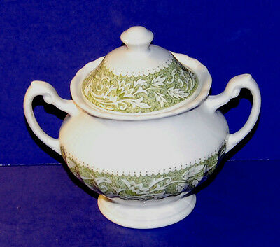 J & G MEAKIN ENGLAND CLASSIC WHITE LUCERNE PATTERN SUGAR BOWL and LID (16-C)