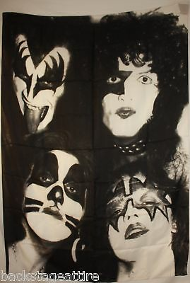 KISS UNCIRCULATED RARE CLOTH TEXTILE POSTER FLAG TAPESTRY WALL BANNER-NEW!
