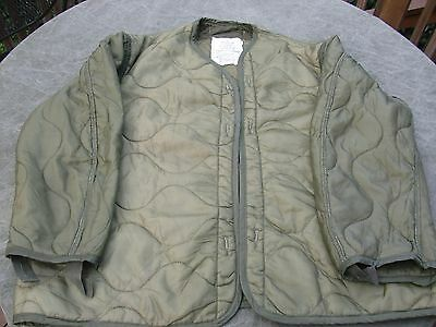 Used Medium USMC US Army  M-65 Field Jacket Liner green quilted  - No buttons
