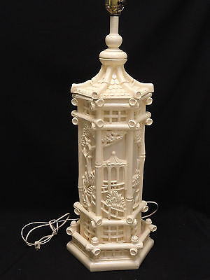 """LARGE VINTAGE 60s RESIN CHINOISERIE TABLE LAMP CHINESE GARDEN PAGODA MOTIF ~ 37"""""""