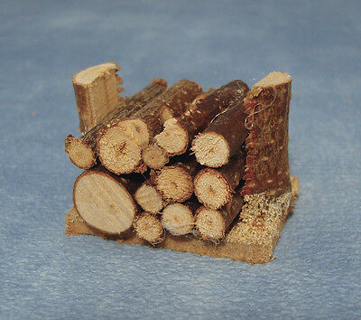 Small Log Pile Dolls House Miniature Outdoor Firewood Garden 1,12 Scale