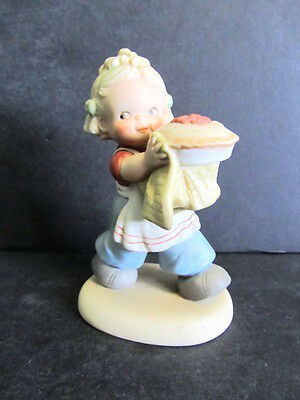 1989 Enesco Memories Of Yesterday Figurine-As Good As His Mother Ever Made
