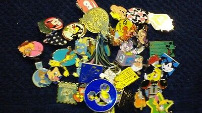 Disney Pins 100 lot  Fastest shipper in USA  no duplicates! 100% TRADABLE