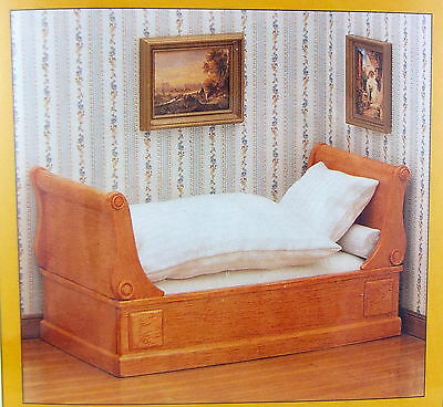 Dolls House 1:12 Scale Mini Mundus Miniature Bedroom Furniture Sleigh Bed Kit