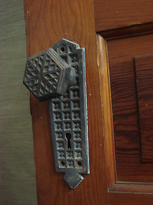 "Antique Gothic Victorian ""snowflake"" Door Knobs And Back Plates + Lock Set"
