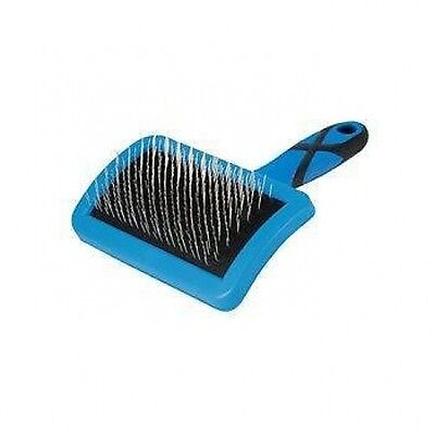 Groom Professional Small Curved Firm Slicker Brush