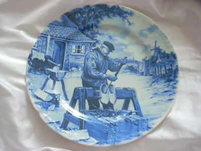 Delft plate. clog maker. 1984. blue and white plate