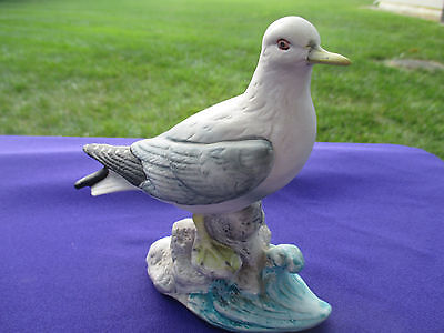 BISQUE PORCELAIN SEAGULL FIGURINE - UNMARKED