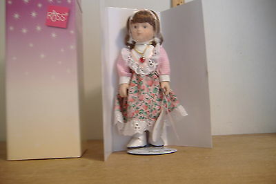 ~GARNETTE~JANUARY~PORCELAIN DOLL OF THE MONTH~HANDCRAFTED~RUSS~ITEM NO. 23001~