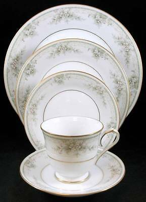 Noritake MEADOWSIDE 5 Piece Place Setting 4114 MINT SHOWROOM INVENTORY