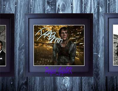 Dylan O' Brien - The Maze Runner SIGNED AUTOGRAPHED FRAMED 10X8 PREPRINT PHOTO