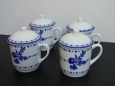 Williams Sonoma Flow Blue White Porcelain Tea/Coffee Mugs with Lids / Set of 4