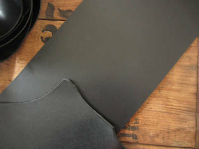 BLACK FULL GRAIN 3-3.5mm (8-9 oz) VEG TANNED LEATHER PIECE VARIOUS SIZES craft