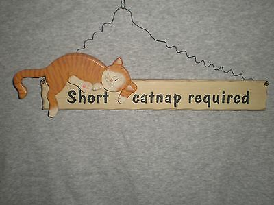 Short Catnap Required Wooden Wall Hanging with Detachable Cat