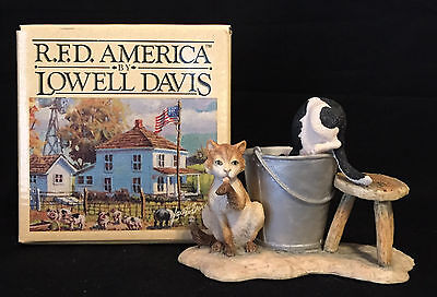 1981 Fox Fire Farms by Lowell Davis Barn Cats Collectible Figurines by Schmid