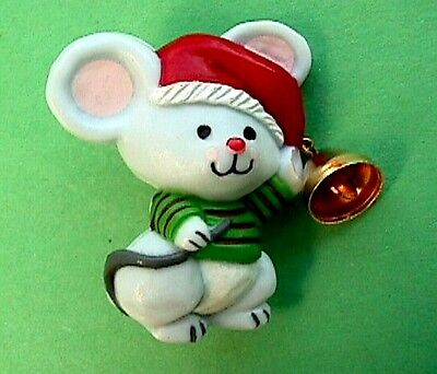 CHRISTMAS Pin BELL Ringer MOUSE Holiday Brooch Vintage Xmas Vtg Costume Jewelry
