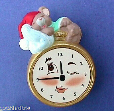 CHRISTMAS Pin POCKET WATCH w Santa MOUSE Holiday BROOCH XMas Vtg Vintage