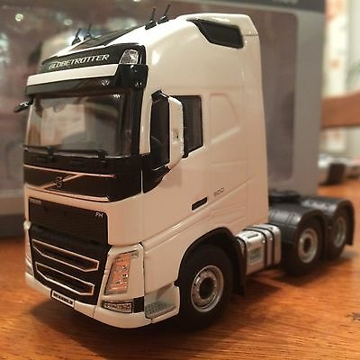 WSI Volvo FH 4 Globetrotter XL 6 x 2 (White)1:50 Scale BNIB Ideal Code 3 03-1137